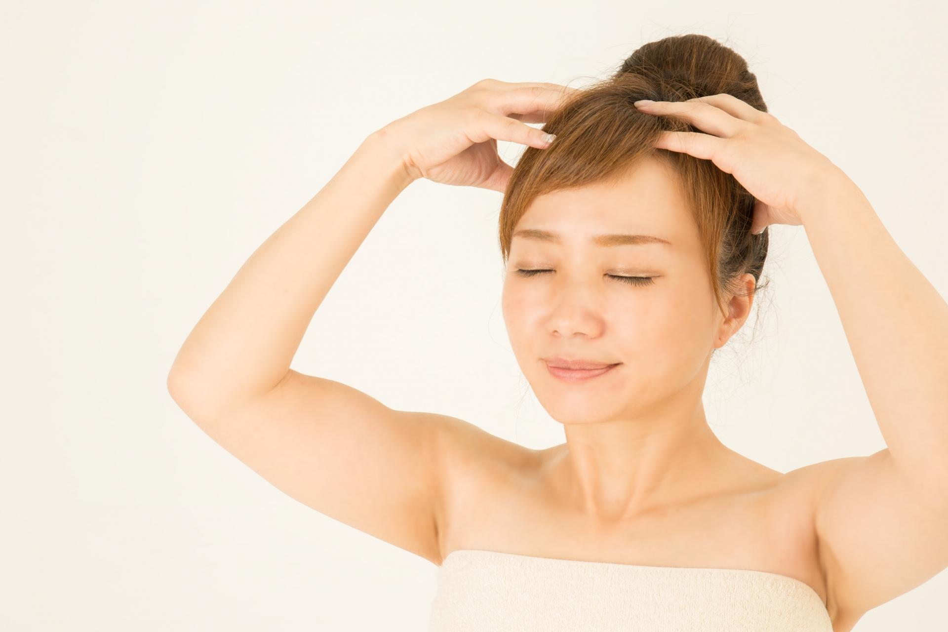 髪を育てるためには頭皮マッサージは大切